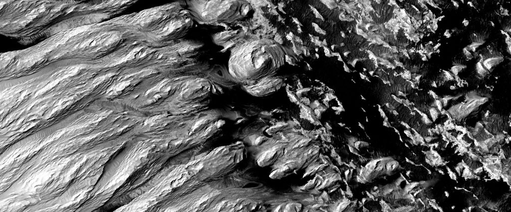 Where does the dust on Mars come from?