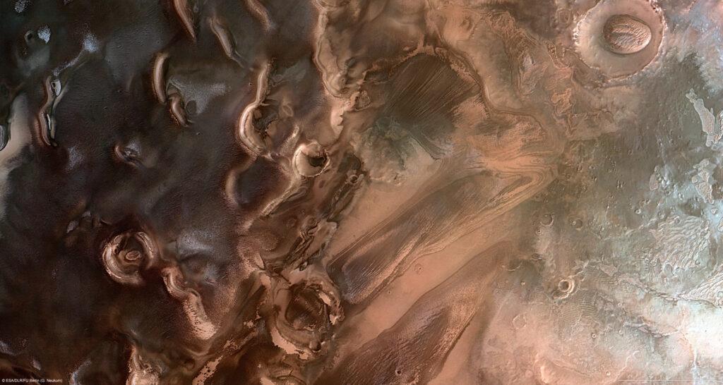 Salt lakes under the south pole of Mars